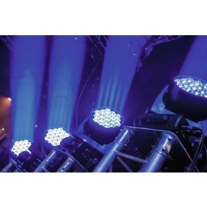 FUTURELIGHT EYE-19 HCL Zoom LED Moving Head Wash