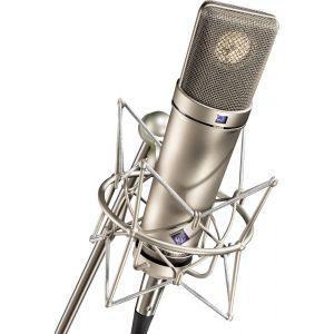 Microfon cu fir Neumann U 87 AI