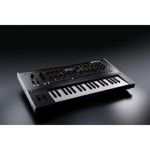 Sintetizator Roland Jupiter XM